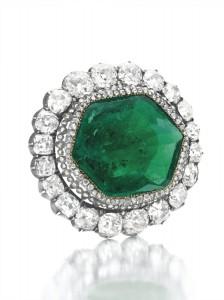 бриллиантовая брошь с изумрудом, принадлежавшая Екатерине Великой
