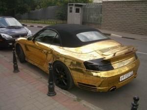 Золотой Porshe
