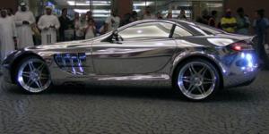 Золотой Mercedes Benz