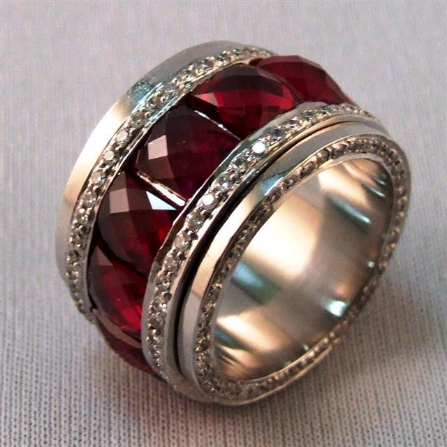 мужское кольцо с искусственным