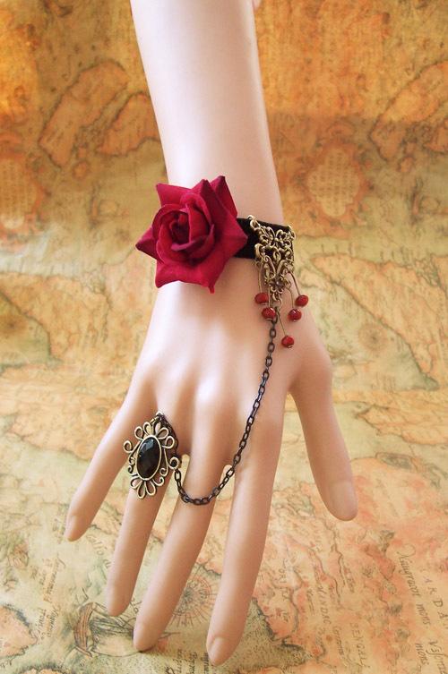 Ювелирные украшения в стиле готики