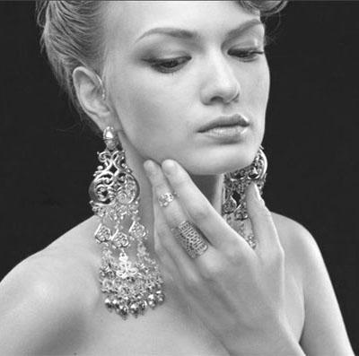 Серебряные серьги на Shop.JewelGold.ru